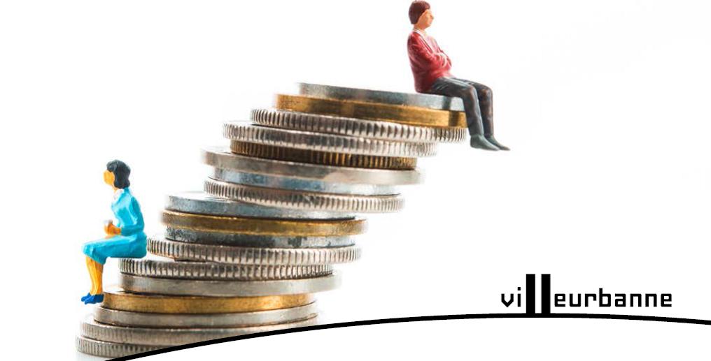 image logo villeurbanne représentant des personnage miniatures assis sur des pièces de monnaie